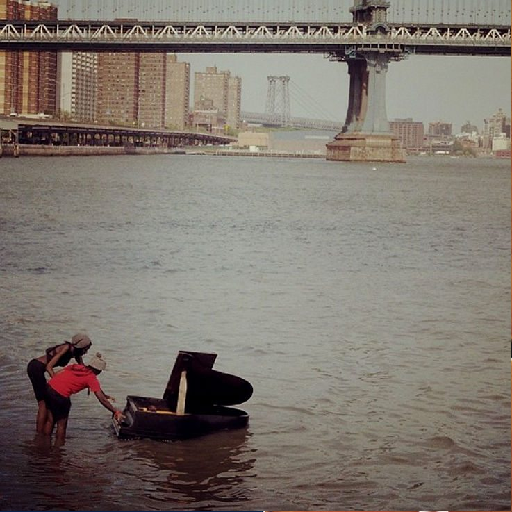 Piano East River New York