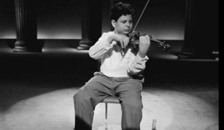 Itzhak-Perlman-Young-448x260