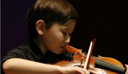 Daniel-Lozakovitj-Rising-Star-Violinist-Cover-448x260-448x260