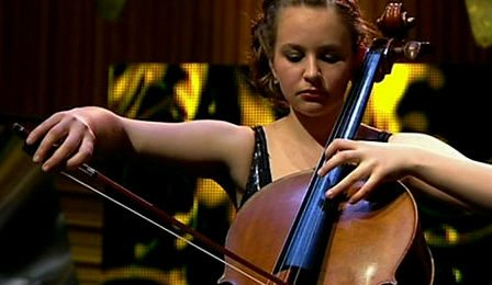Laura van der Heijden London Mozart Players Cellist Cover