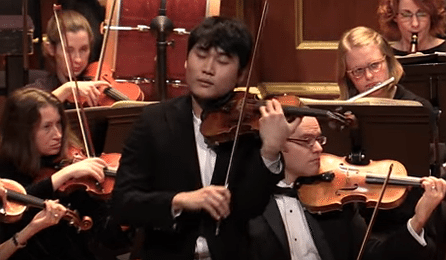 NEW TO YOUTUBE | VC 'Young Artist' In Mo Yang - Paganini Concerto ...
