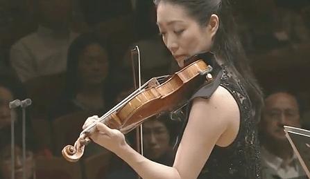 Akiko Suwanai Sibelius Violin Concerto Cover