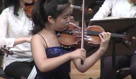 SooBeen-Lee-Sibelius-Violin-Concerto-Cover-1