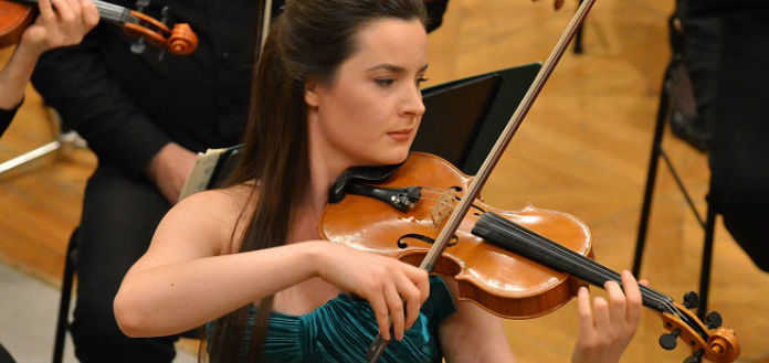 Amalia-Hall-Violin-Violinist-696x329