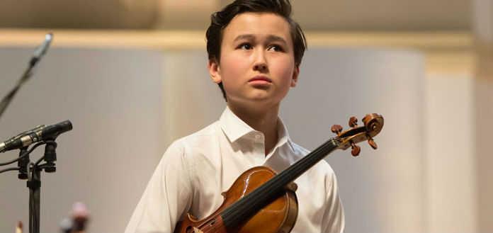 Daniel Lozakovich Violin