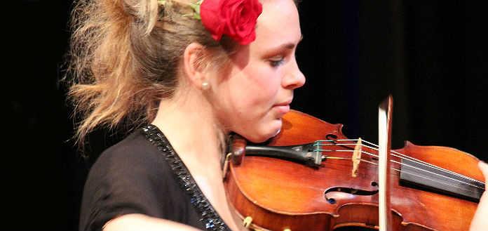 Zoe Freisberg Violinist