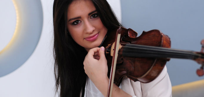 Sara Dragan Violin Violinist Cover