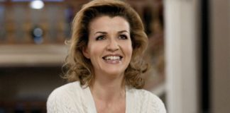 Anne-Sophie-Mutter-World-Economic-Forum-696x329