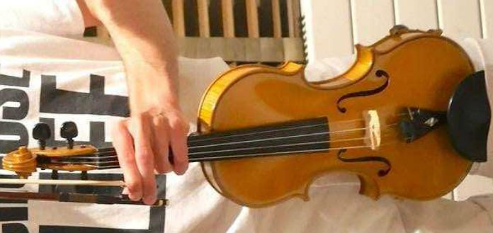 Stolen 2003 Chris Johnson Violin
