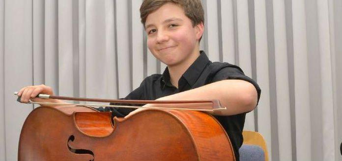Constantin Philipp Heise Cellist Cover