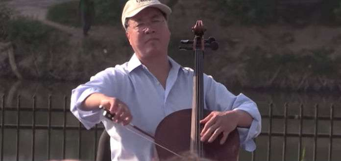 NEW TO YOUTUBE   Cellist Yo-Yo Ma - Bach Cello Suite, US-Mexico